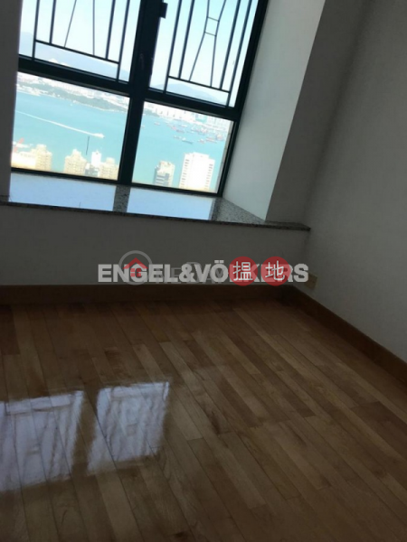 3 Bedroom Family Flat for Sale in Mid Levels West | Scholastic Garden 俊傑花園 Sales Listings