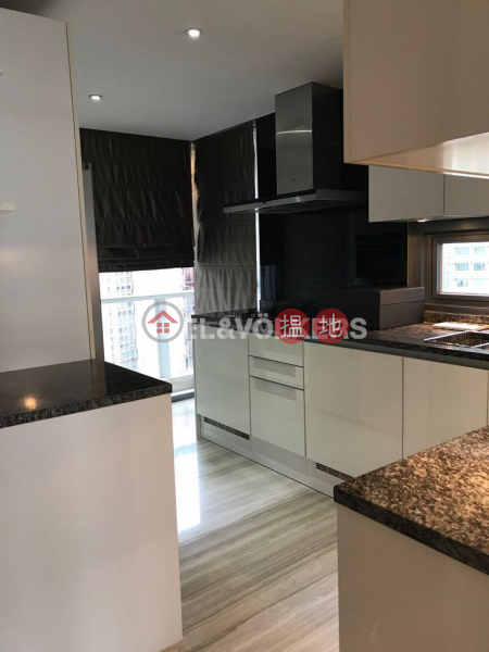 3 Bedroom Family Flat for Sale in Mid Levels West | Seymour 懿峰 Sales Listings