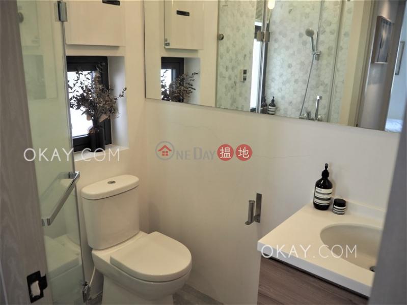HK$ 60,000/ 月 嘉華大廈西區2房2廁,極高層,露台《嘉華大廈出租單位》