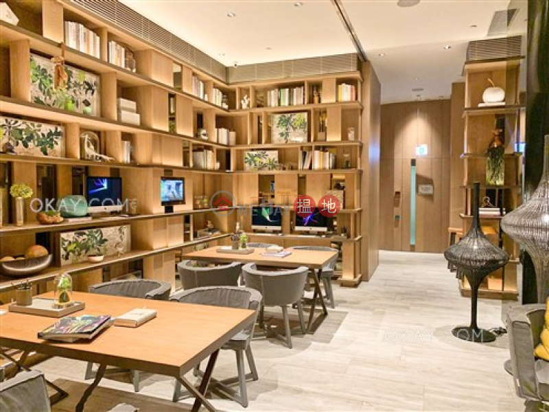 HK$ 1,050萬形薈1A座 東區 2房1廁,連租約發售,露台《形薈1A座出售單位》