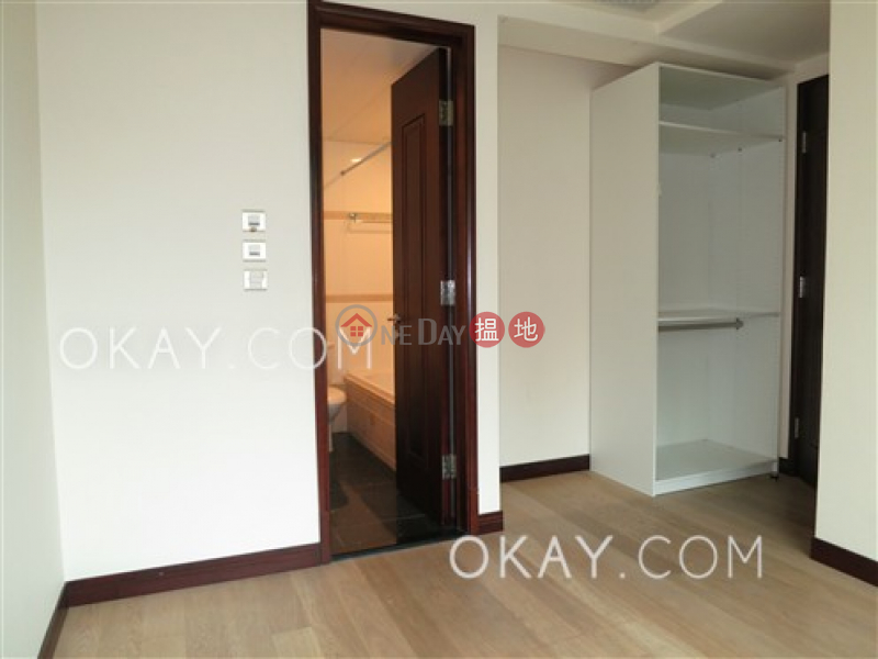 Unique 3 bedroom with balcony & parking | For Sale | The Legend Block 3-5 名門 3-5座 Sales Listings
