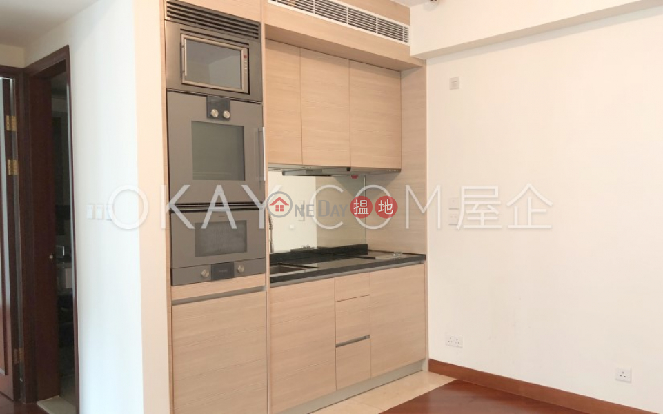Lovely 2 bedroom with balcony   For Sale 200 Queens Road East   Wan Chai District Hong Kong, Sales, HK$ 18M