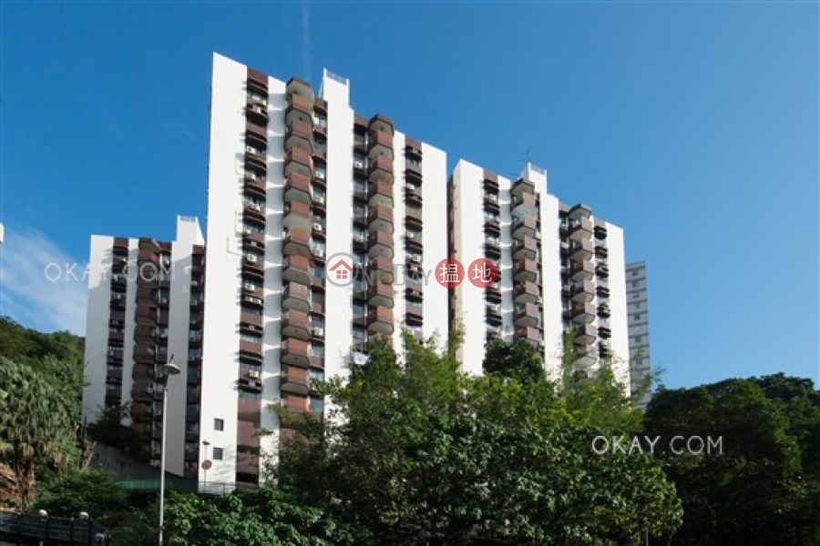 HK$ 33M Fulham Garden, Western District | Efficient 3 bed on high floor with balcony & parking | For Sale