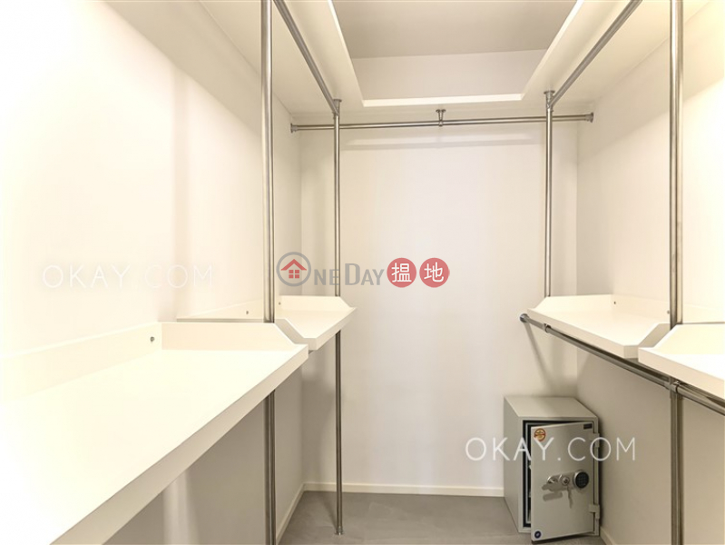Beautiful 3 bed on high floor with rooftop & parking | For Sale | Wah Chi Mansion 華芝大廈 Sales Listings