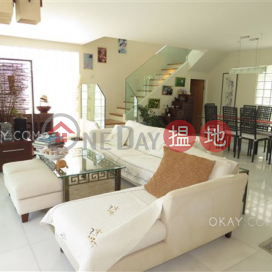 Beautiful house with sea views, rooftop & terrace   For Sale