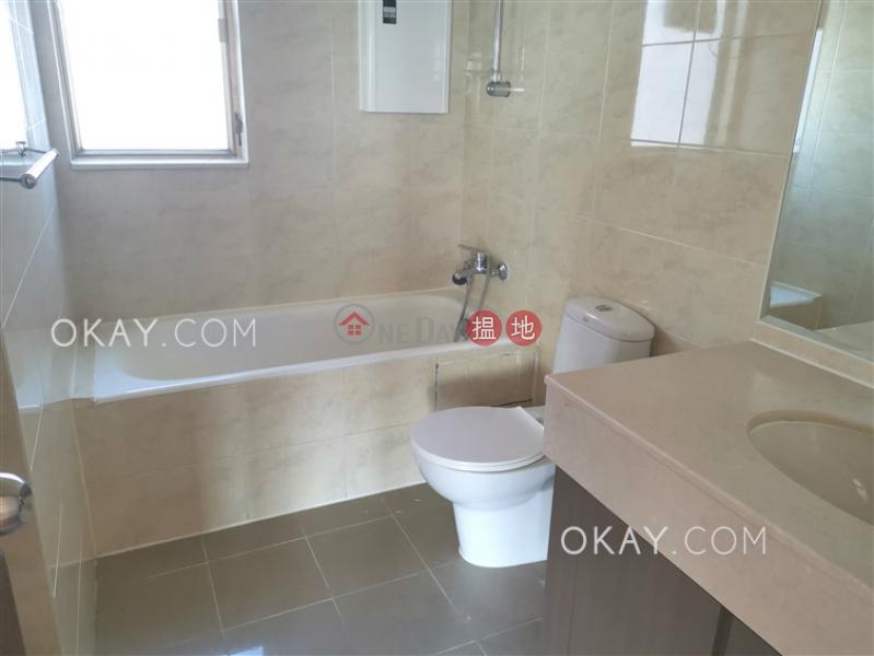 HK$ 31,700/ month, Hong Kong Gold Coast Block 20 Tuen Mun Charming 3 bedroom on high floor with parking   Rental
