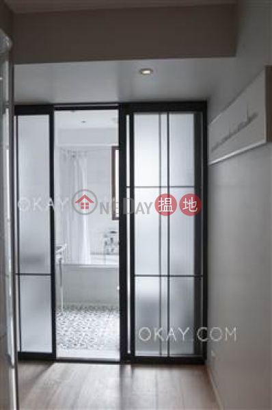 Charming 2 bedroom on high floor with parking | For Sale | Sea Breeze Court 惠風閣 Sales Listings