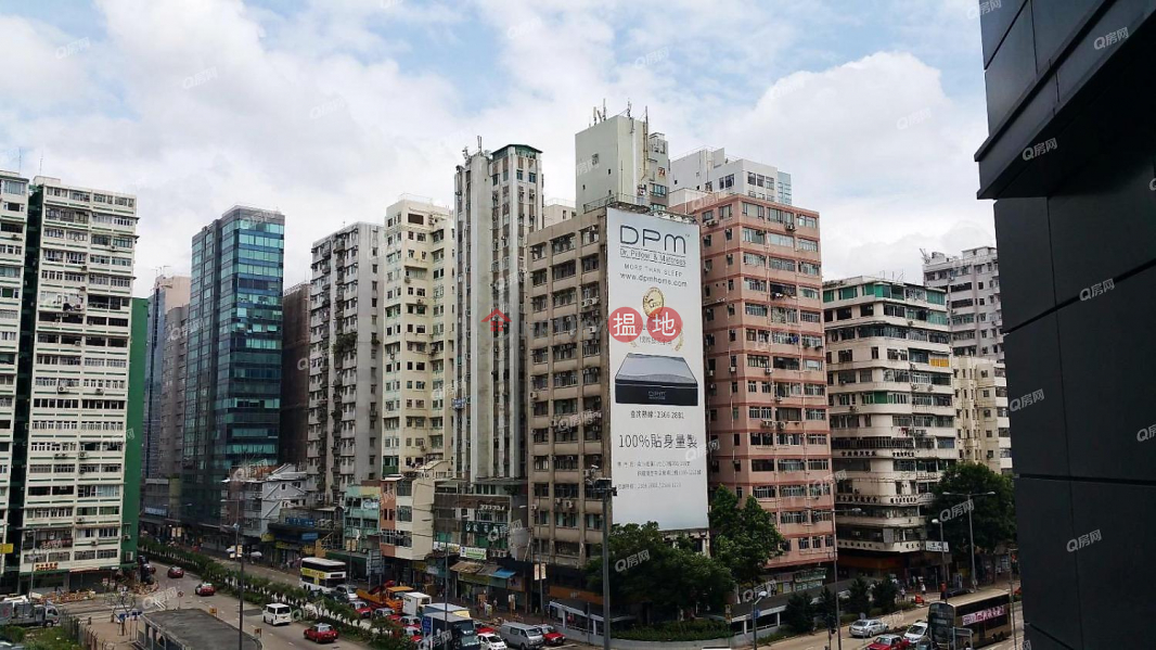 HK$ 12.8M, The Austin Tower 3A   Yau Tsim Mong   The Austin Tower 3A   1 bedroom Low Floor Flat for Sale