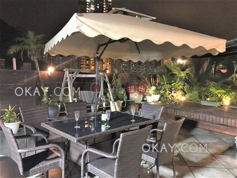 Efficient 3 bed on high floor with rooftop & parking | Rental | Fairyland Garden 翠華園 Rental Listings