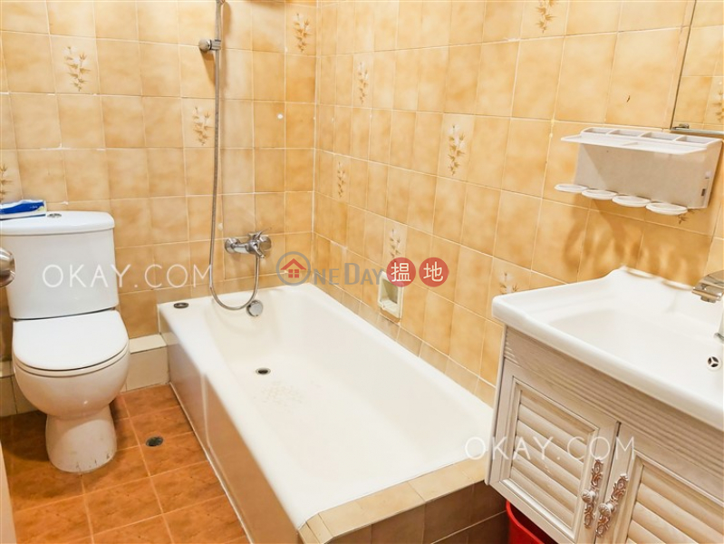 HK$ 28,000/ month City Garden Block 3 (Phase 1)   Eastern District Lovely 3 bedroom on high floor with balcony   Rental
