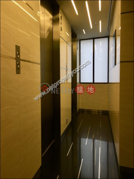 Office for rent in Lockhart Road, Wan Chai | Beverly House 利臨大廈 Rental Listings