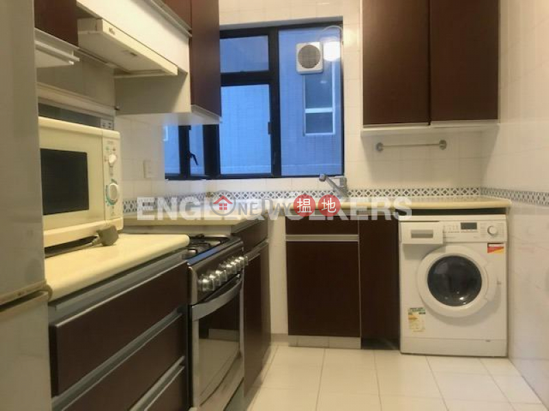 HK$ 50,000/ month Elegant Terrace, Western District 3 Bedroom Family Flat for Rent in Mid Levels West