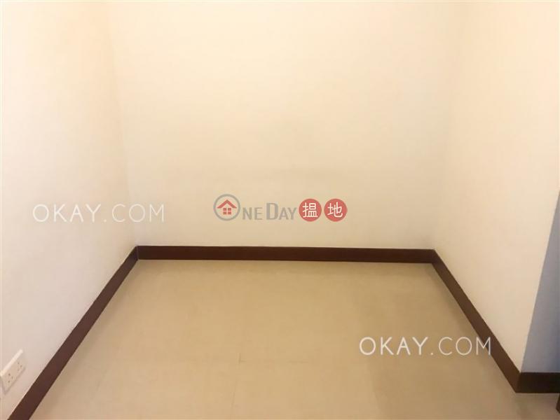 2房1廁,星級會所,可養寵物,露台《泓都出租單位》|泓都(The Merton)出租樓盤 (OKAY-R126417)