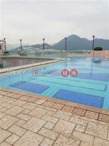 HK$ 105,000/ month Phase 1 Regalia Bay Southern District Beautiful house with rooftop, balcony | Rental