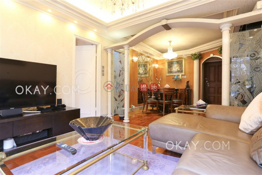 HK$ 25.5M, Elegant Terrace Tower 1, Western District Stylish 3 bedroom with parking | For Sale