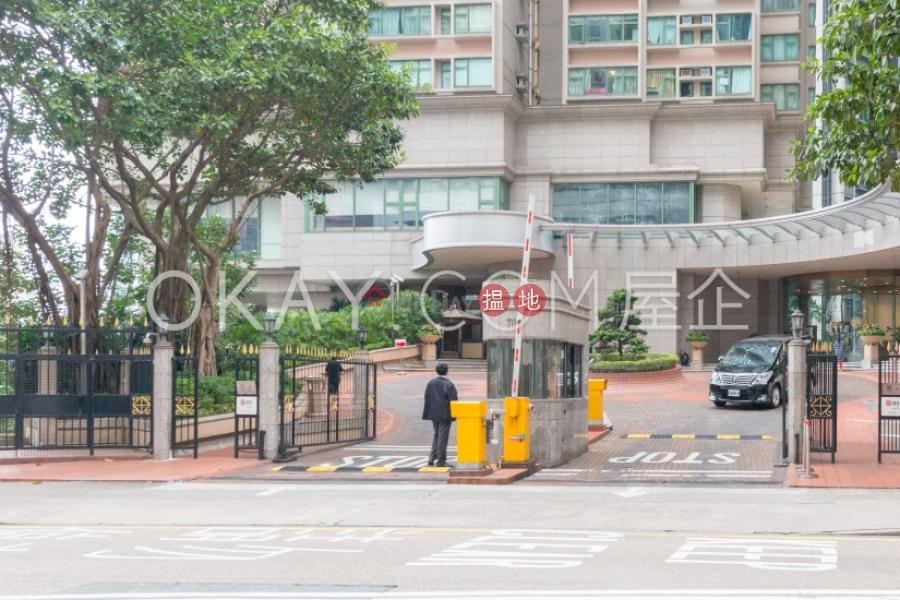 3房2廁,實用率高,極高層,星級會所雍景臺出售單位 雍景臺(Robinson Place)出售樓盤 (OKAY-S59728)