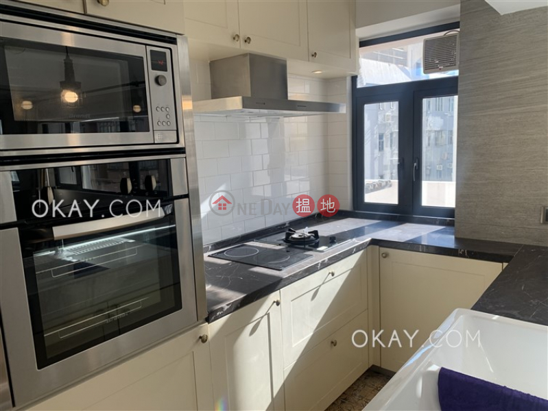 HK$ 42,000/ month Village Tower Wan Chai District, Luxurious 1 bedroom with balcony & parking | Rental