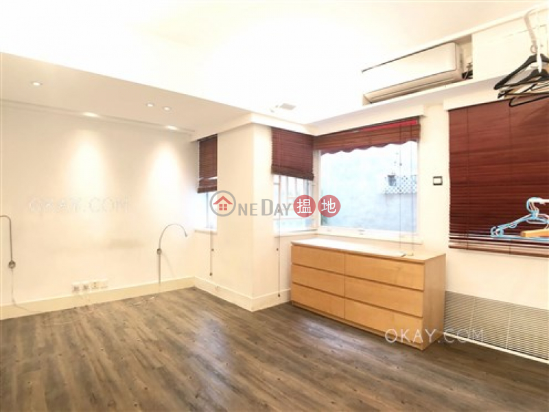 HK$ 26,000/ month 6 Chancery Lane, Central District, Tasteful 1 bedroom with terrace | Rental