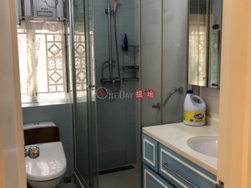 HK$ 18,000/ month Sha Tin Wai New Village Sha Tin | 2 min to mtr station