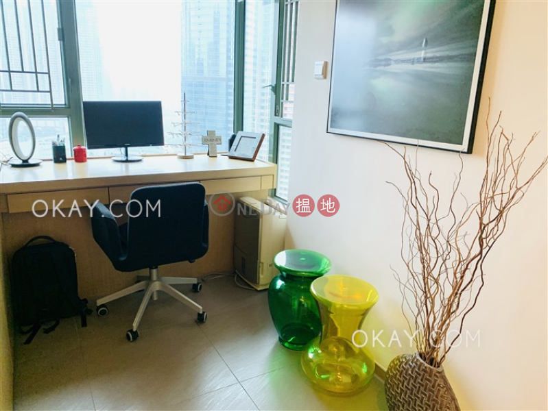 香港搵樓 租樓 二手盤 買樓  搵地   住宅-出售樓盤-2房1廁,極高層,星級會所《維港灣2座出售單位》
