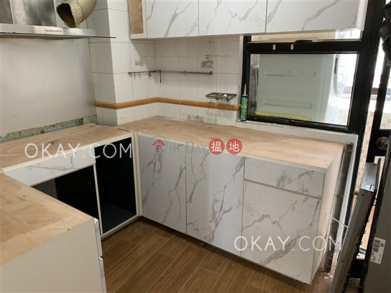 HK$ 32.8M | Scenic Heights Western District Efficient 3 bedroom on high floor with parking | For Sale