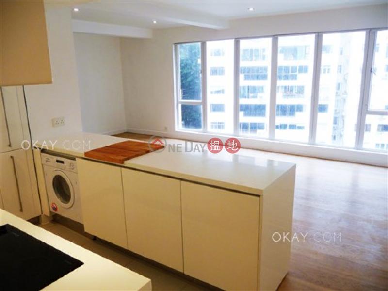 HK$ 38,000/ 月第一大廈-西區1房1廁,極高層,連車位《第一大廈出租單位》