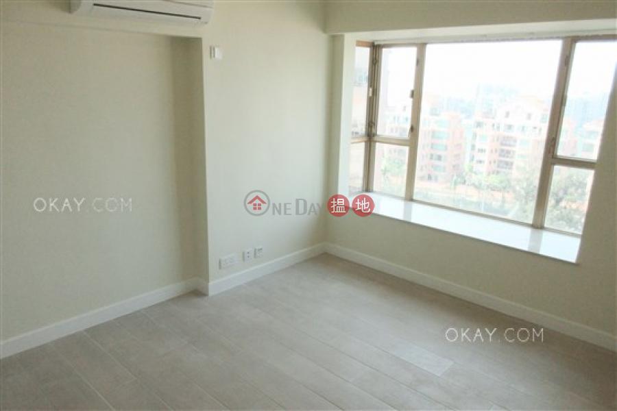 HK$ 27,500/ 月 香港黃金海岸 21座屯門3房2廁,星級會所,連車位,露台《香港黃金海岸 21座出租單位》
