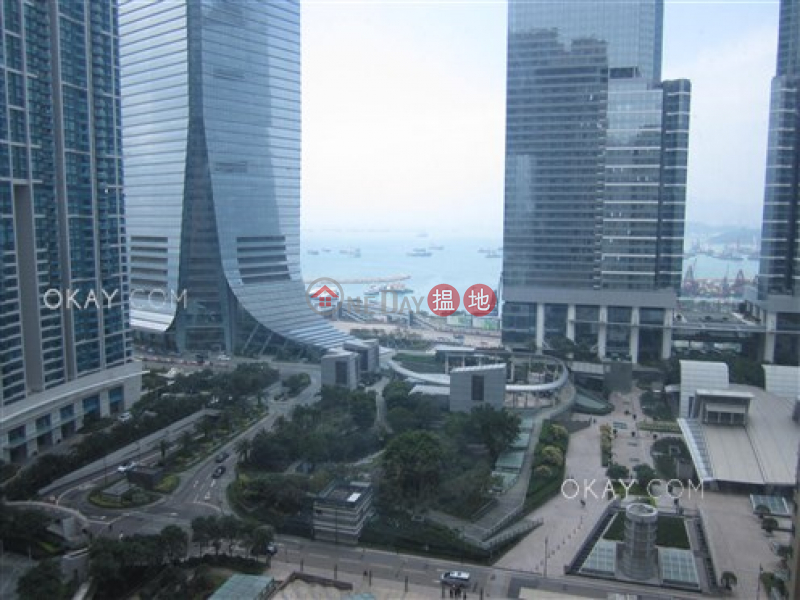 Luxurious 3 bedroom with harbour views | For Sale | The Arch Star Tower (Tower 2) 凱旋門觀星閣(2座) Sales Listings