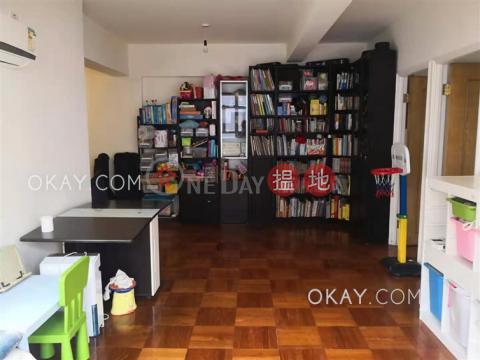 3房1廁華芝大廈出租單位 灣仔區華芝大廈(Wah Chi Mansion)出租樓盤 (OKAY-R394272)_0