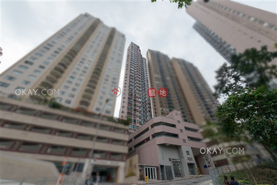 Rare 1 bedroom with balcony & parking   Rental   Dragonview Court 龍騰閣 Rental Listings