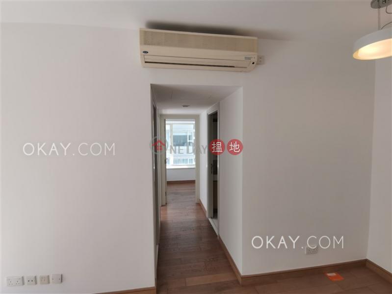 2房1廁,星級會所,露台聚賢居出售單位108荷李活道   中區 香港-出售 HK$ 1,180萬