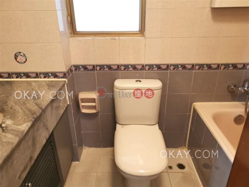 HK$ 27,280/ month Hong Kong Gold Coast Block 19, Tuen Mun Popular 3 bedroom with balcony | Rental
