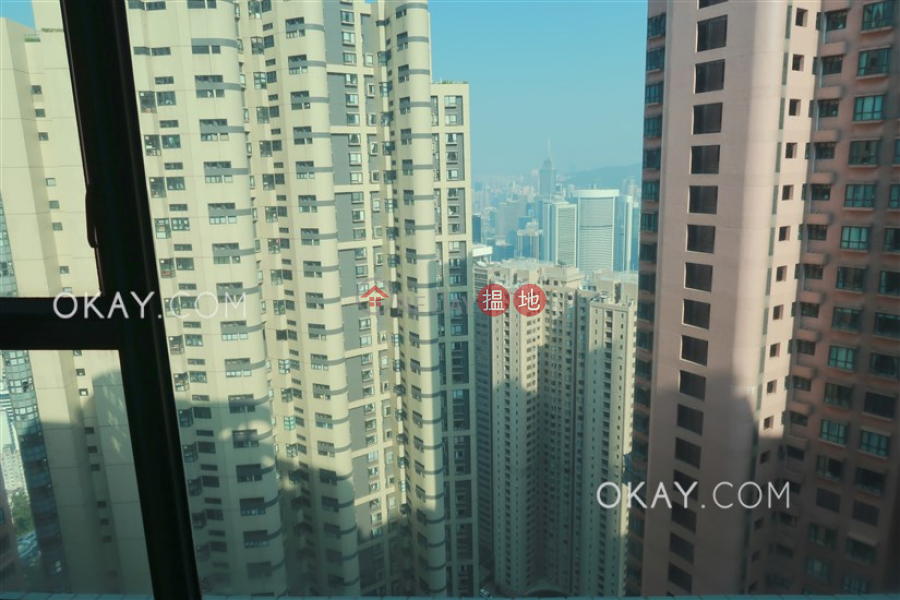 Tasteful 2 bedroom on high floor | Rental | Hillsborough Court 曉峰閣 Rental Listings