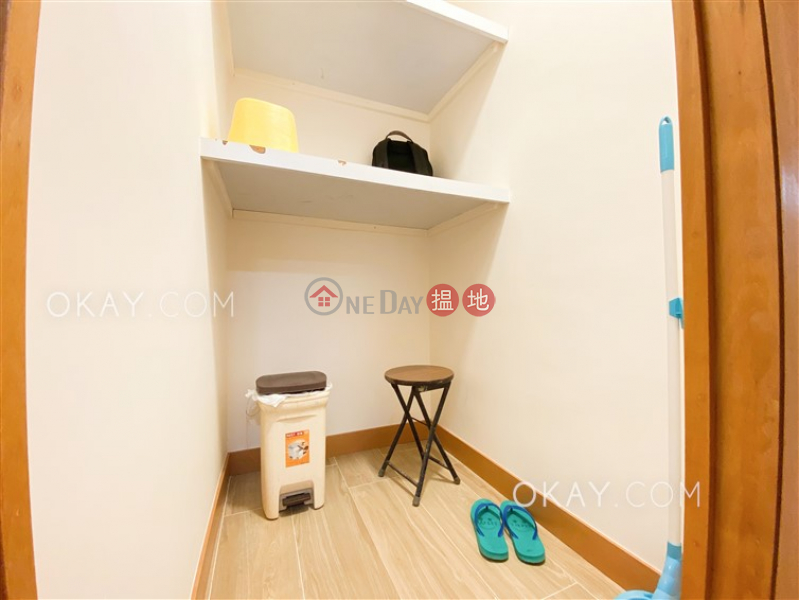 Unique 2 bedroom on high floor with balcony | For Sale | Mei Foo Sun Chuen Phase 8 美孚新邨 第八期 Sales Listings
