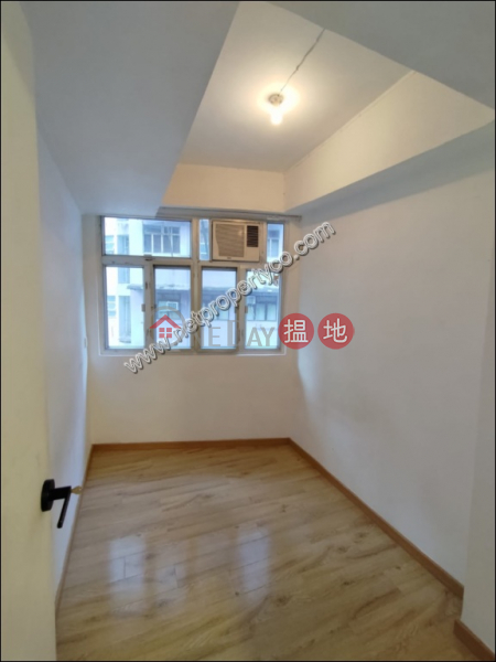 HK$ 14,000/ 月 荷李活道254號 西區 Modern Stylish 2 Bedroom Walk Up Apartment