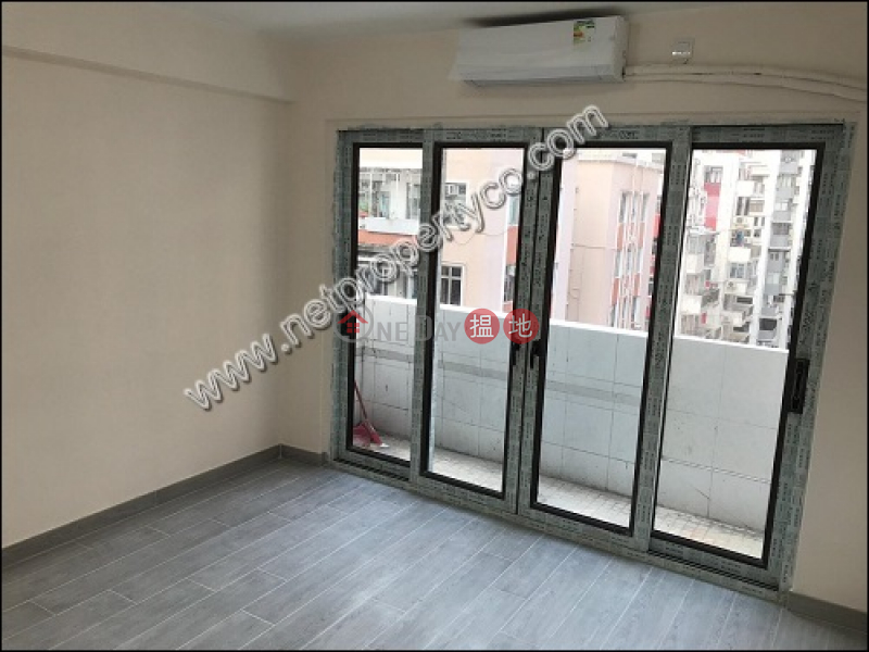 HK$ 27,800/ month | Fairview Mansion Wan Chai District | Large unit with a balcony for rent in Causeway Bay