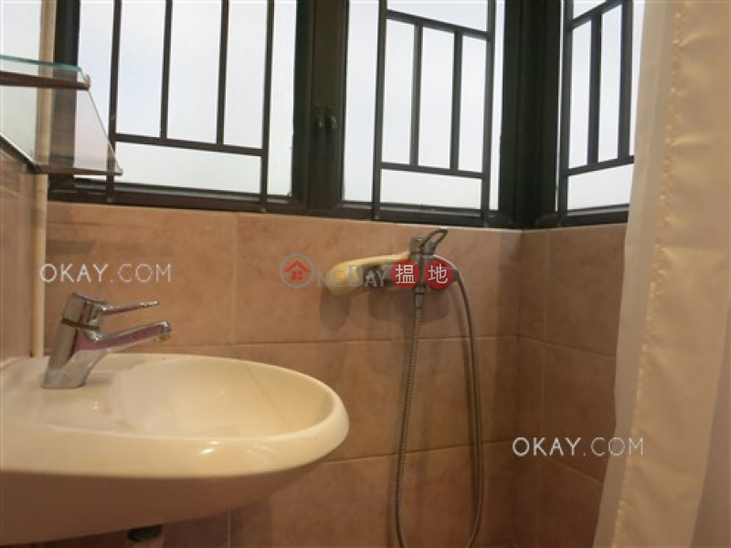 HK$ 28,000/ month, Woodlands Terrace, Western District | Unique 3 bedroom in Mid-levels West | Rental