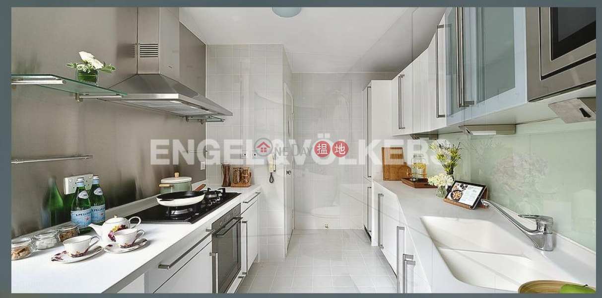 HK$ 128,900/ month Queen\'s Garden | Central District | 3 Bedroom Family Flat for Rent in Central Mid Levels