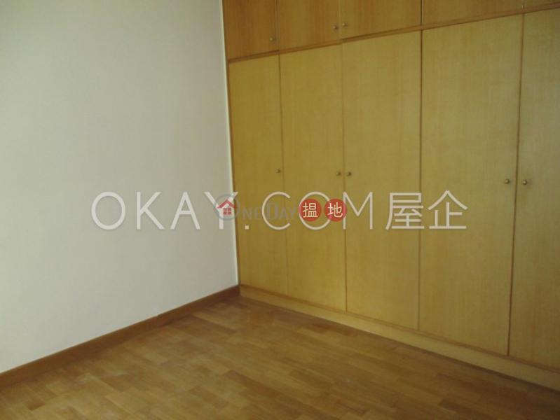 HK$ 35,000/ 月|龍華花園-灣仔區2房1廁,連車位龍華花園出租單位
