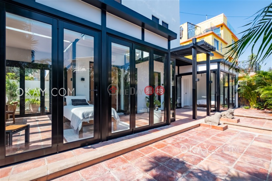 HK$ 31.88M, Shek O Village, Southern District Luxurious house with rooftop, terrace | For Sale