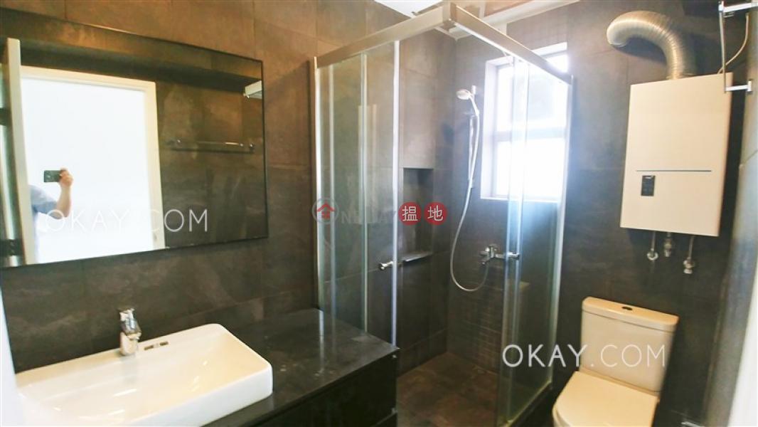 HK$ 42,000/ 月金鞍大廈-灣仔區 2房2廁,實用率高,極高層,馬場景《金鞍大廈出租單位》