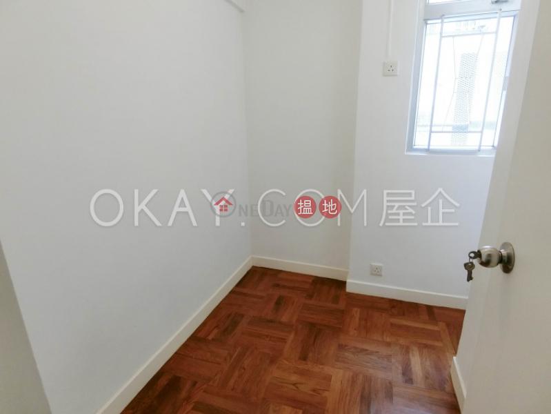 HK$ 42,000/ 月|美登大廈|灣仔區3房2廁,露台美登大廈出租單位