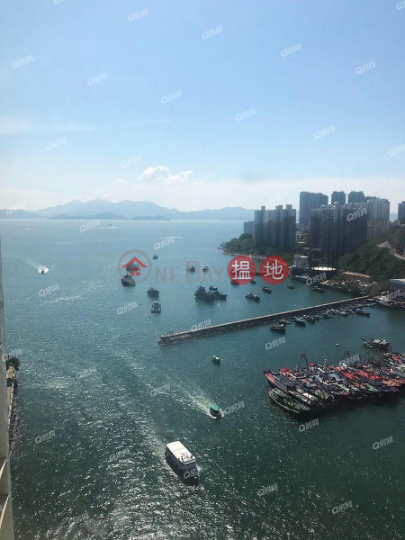 Property Search Hong Kong | OneDay | Residential Rental Listings, South Horizons Phase 1, Hoi Sing Court Block 1 | 3 bedroom High Floor Flat for Rent