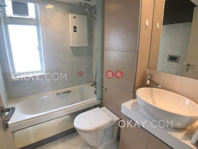 Charming 3 bedroom on high floor with balcony | Rental | Centrestage 聚賢居 Rental Listings