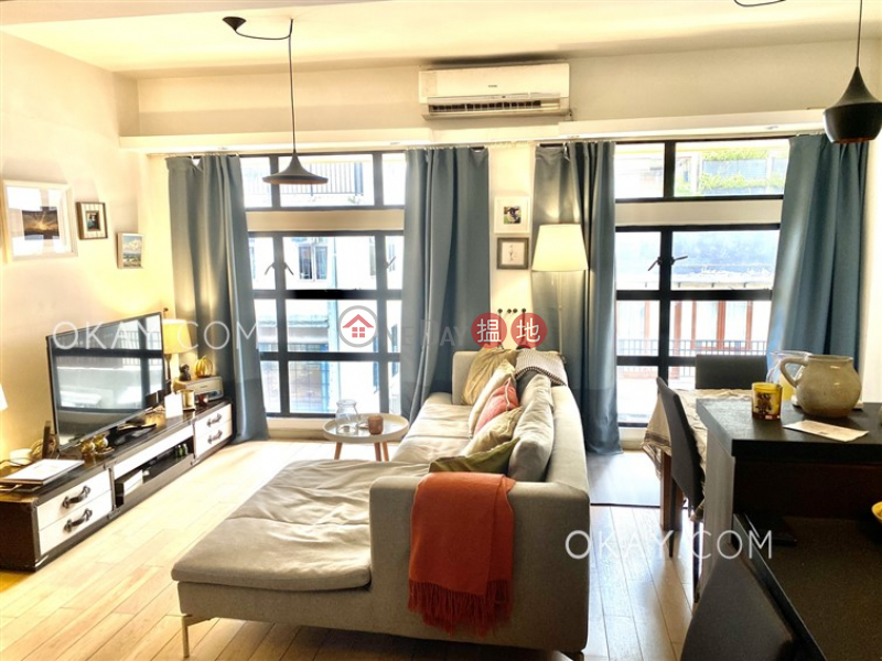HK$ 40,000/ month | 18 Shelley Street | Central District, Tasteful 2 bedroom on high floor with rooftop | Rental