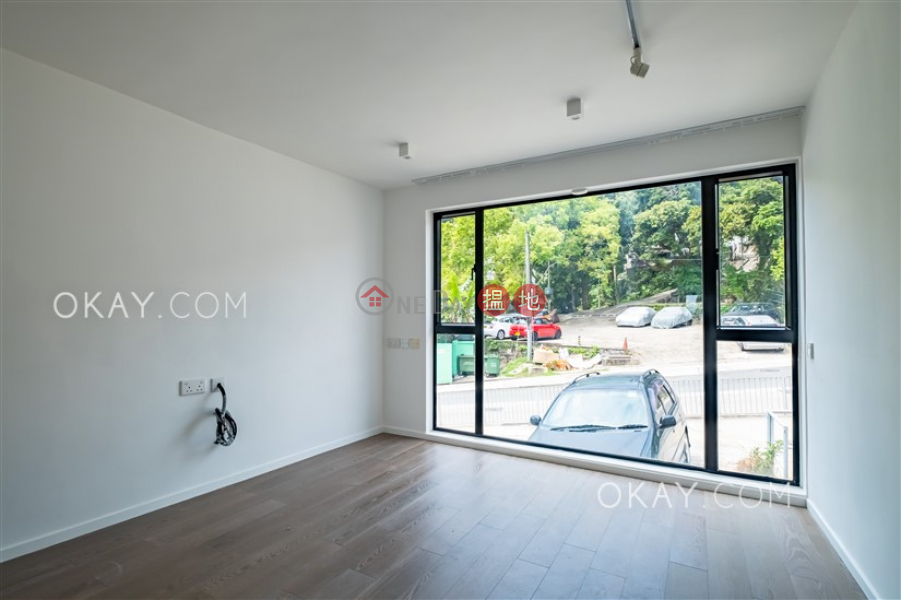 Luxurious house with rooftop & parking | For Sale | Tai Wan Tsuen 大環村 Sales Listings