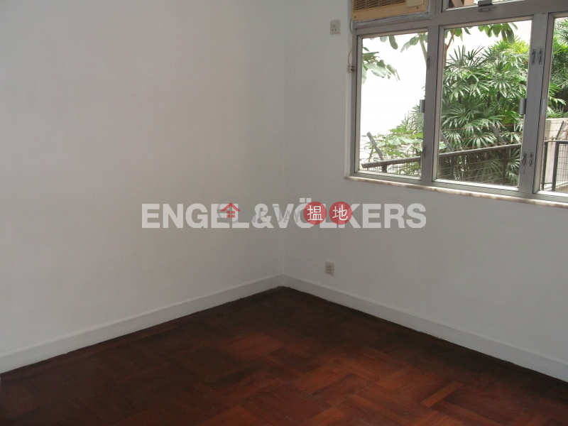 3 Bedroom Family Flat for Rent in Mid Levels West | Tak Mansion 德苑 Rental Listings