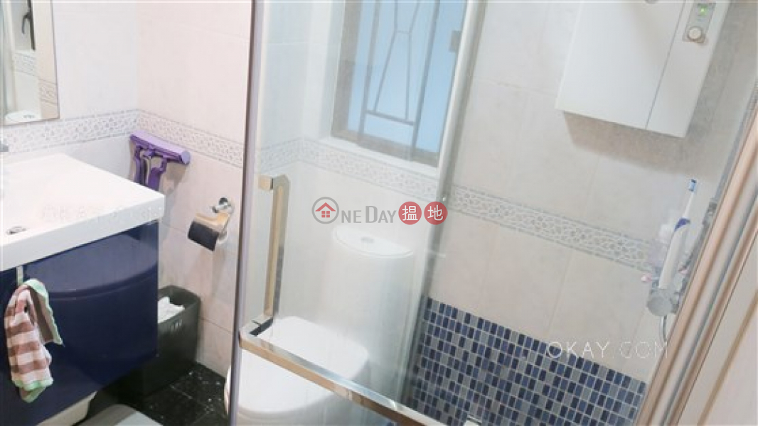 HK$ 17.3M, Crescent Heights   Wan Chai District   Stylish 3 bedroom with parking   For Sale