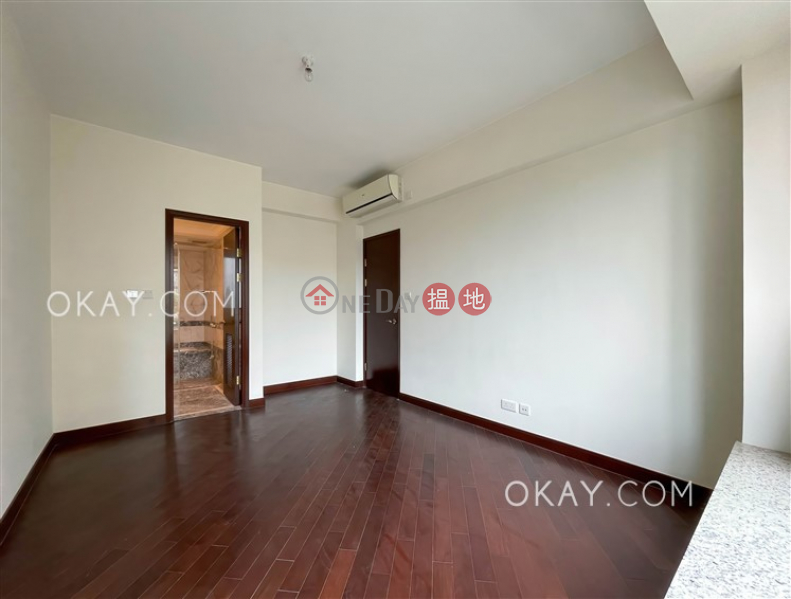 Luxurious 4 bedroom with balcony & parking | For Sale | Mayfair by the Sea Phase 1 Lowrise 11 逸瓏灣1期 低座11座 Sales Listings