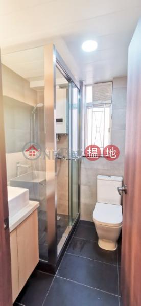 Tasteful 2 bedroom with balcony | Rental, Vienna Mansion 華納大廈 Rental Listings | Wan Chai District (OKAY-R38315)
